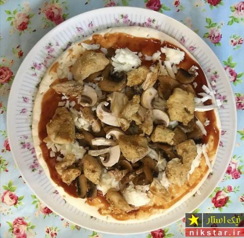 طرز تهیه پیتزا قارچ و مرغ مرحله به مرحله
