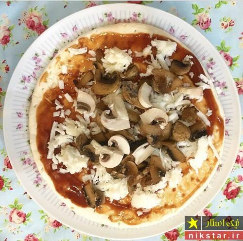 طرز تهیه پیتزا مرغ و قارچ مرحله به مرحله