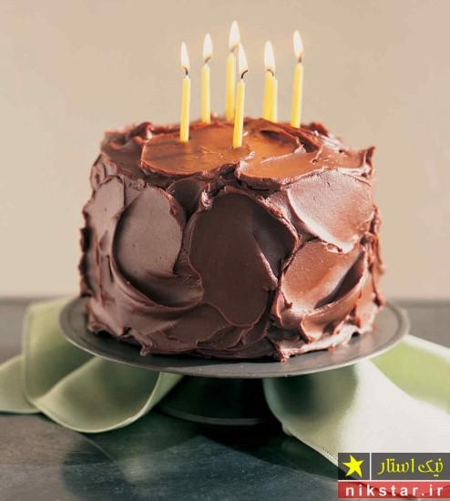 تزیین کیک تولد با خامه کاکائویی