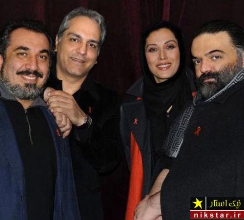 مهران مدیری در کنار مهتاب کرامتی، علیرضا عصار و سیامک انصاری