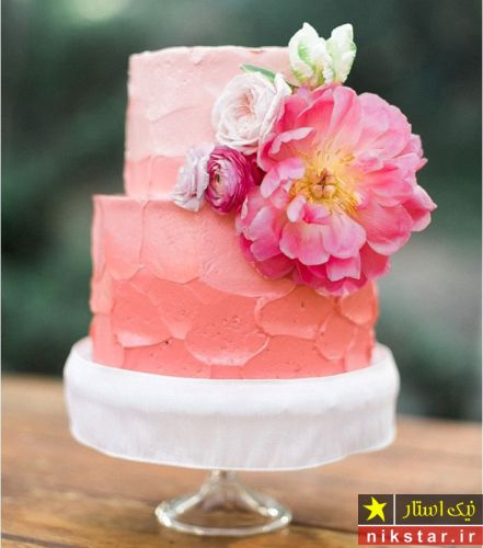 تزیین کیک تولد با گل طبیعی