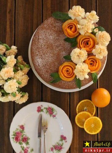 تزیین کیک خانگی با گل طبیعی