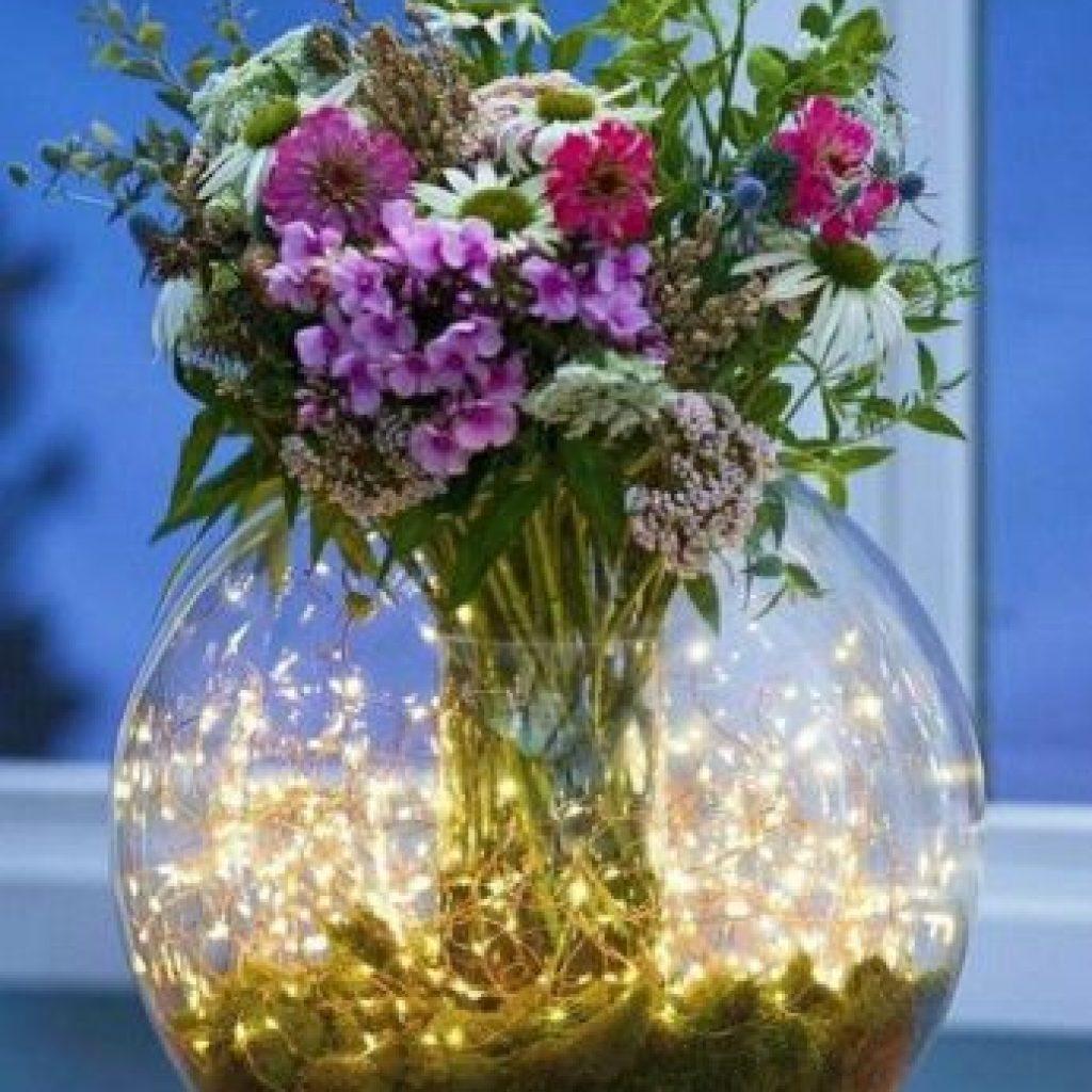 تزیین تنگ شیشه ای با گل