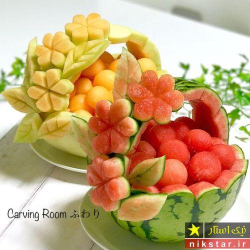 تزیین هندوانه شب یلدا به شکل سبد میوه توت فرنگی و تمشک