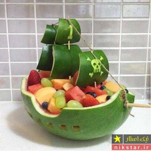 تزیین هندوانه شب یلدا به شکل کشتی دزدان دریایی