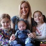 داستان باور نکردنی عجیب ترین مادر جهان با سه دخترش