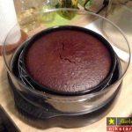 آموزش تصویری طرز تهیه کیک شکلاتی در هواپز مرحله به مرحله + نکات پخت