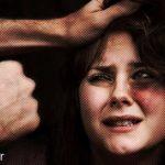 جزای مردی که زنش را کتک میزند چیست؟ و بهترین راه مقابله با او چیست؟