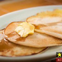طرز تهیه پنکیک صبحانه بدون شیر مرحله به مرحله + نکات پخت