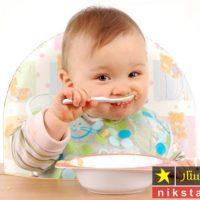 طرز تهیه غذای کمکی نوزاد ۵ ماهه به همراه نکات خوشمزه کردن