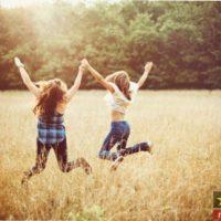 شعر برای دوست صمیمی (۳۰ شعر زیبا برای دوست صمیمی)
